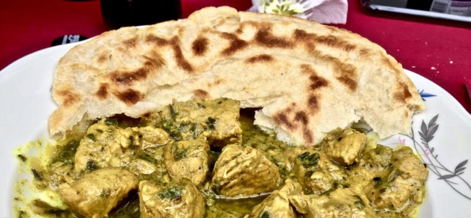 Pfannenbrot mit Curry
